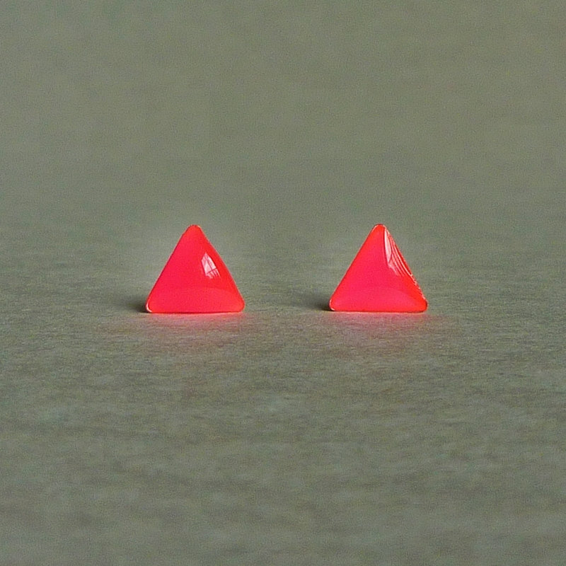 SALE - Bright Neon Pink Triangle Stud Earrings - 8 mm - Gift under 10