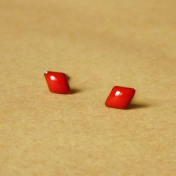 SALE - Small Red Rhombus Stud Earrings - 4 mm - Gift under 10